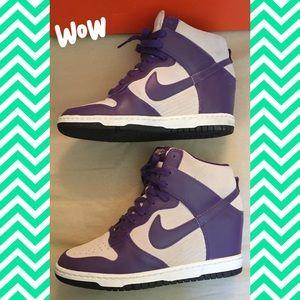 Nike Womens sz 7.5 Wedge Sneakers 👟🕶💙